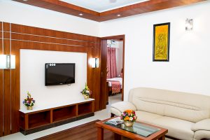 Short Stay Apartment with living area, kitchen, bedroom and bath - Chola Serviced Apartment