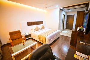 Fully Furnished Serviced Apartments for Rent - Chola Serviced Apartment