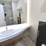 Contemporary Rooms with stylish bath - Chola Serviced Apartment