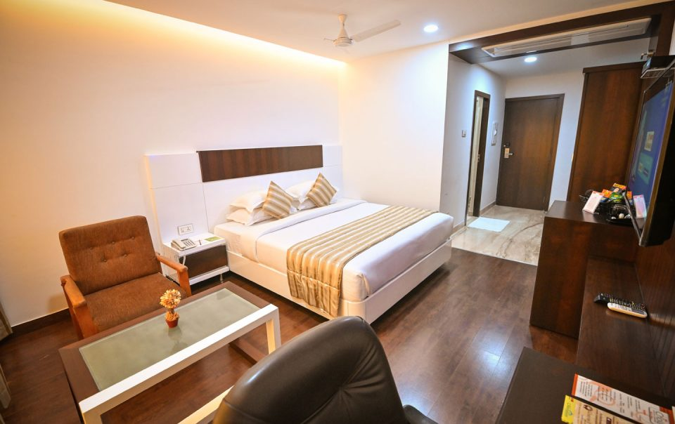 Book Luxury Apartment for family vacation - Chola Serviced Apartment